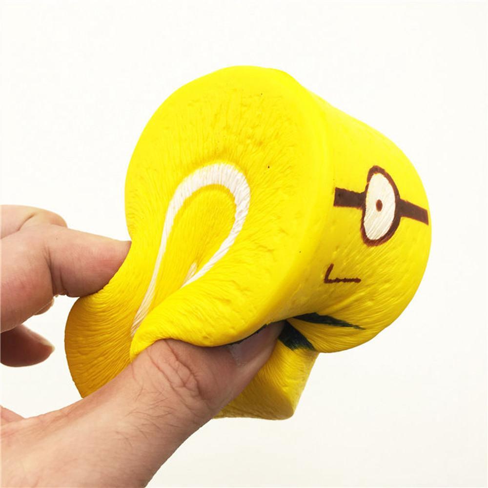 10 cm Squishy Minions Rolos de Ovo Amarelo Jumbo Rocambole Squeeze Brinquedo Lento Aumento Reduzir O Stress Anel Chave Strap Squishies Brinquedos AAA266