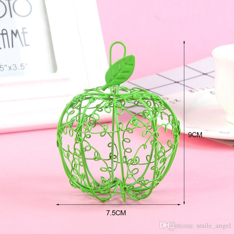 2018 New Wedding Favor Box White Matel Boxes Iron Apple Shaped with Ribbon Bowknot SPECIAL Candy Boxes Hot Selling Party Favors