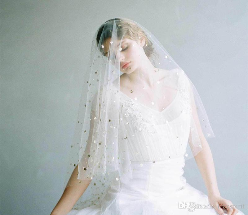 White Bridal Veil with Gold Stars and Moons Elbow Length Tulle Wedding Veils Short Elegant Accessories for Bride