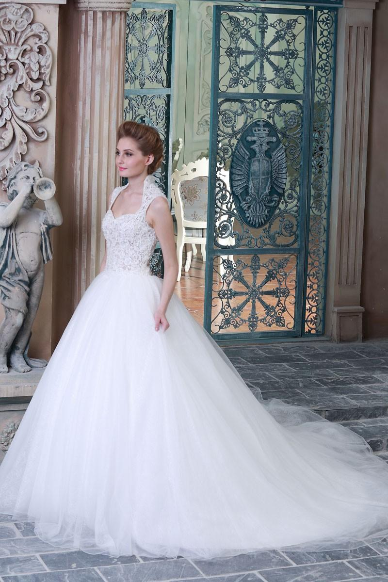 Wedding Gowns Ball Gown Wedding Dress Queen Anne Neckline See Through Corset 2018