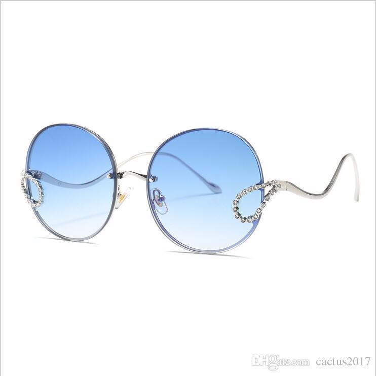 0e8980265c Acheter 2019 Lunettes De Soleil Strass Femmes Italie Marque Designer Sans Monture  Rond Grand Lunettes De Soleil Hommes Oculos De Sol Feminino De $11.65 Du ...