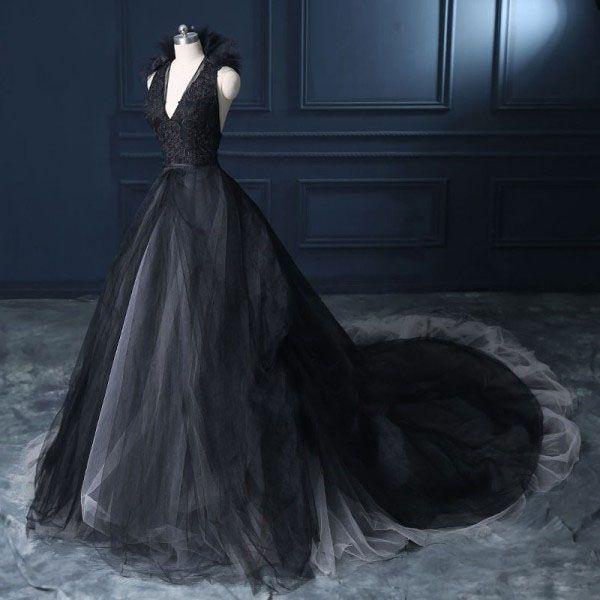 Vintage 2019 Blanco y negro Vestido de novia de marfil Gótico V cuello sin mangas Apliques de encaje Falda de tul Vestidos de novia Volantes