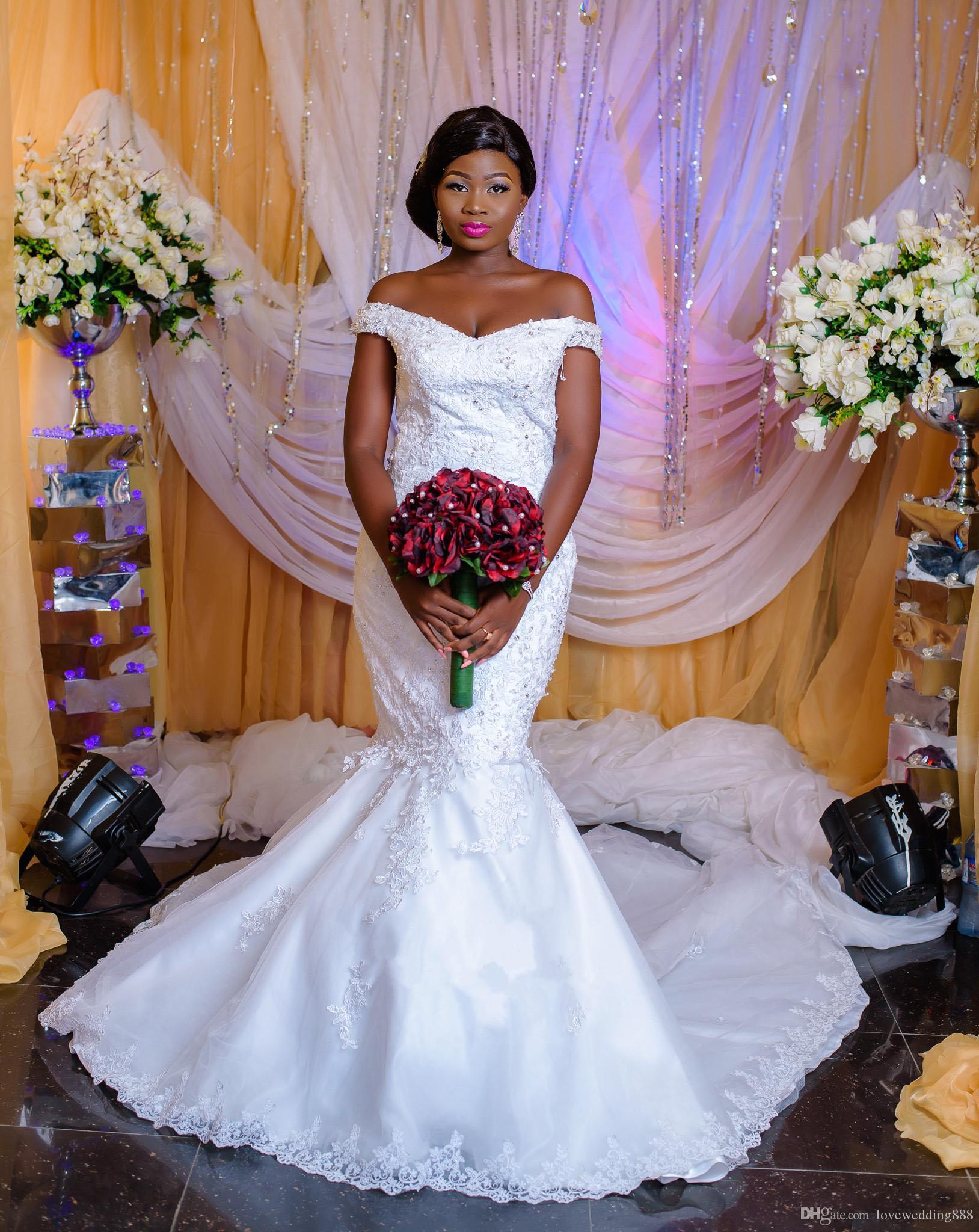 African Cheap Mermaid Brautkleider 2019 Schulterfrei Applique Lace Einfache Plus Size Brautkleider Bedeckt Button Zurück
