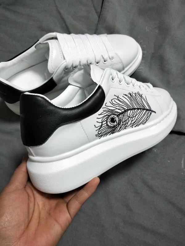 Acquista Luxury Desinger Donna Uomo Sneakers Scarpe Ricamo Piuma Comfort  Scarpa Casual Platform Tutti In Pelle Walking Mqueen Tempo Libero  Footlocker A ... d254fa094d7