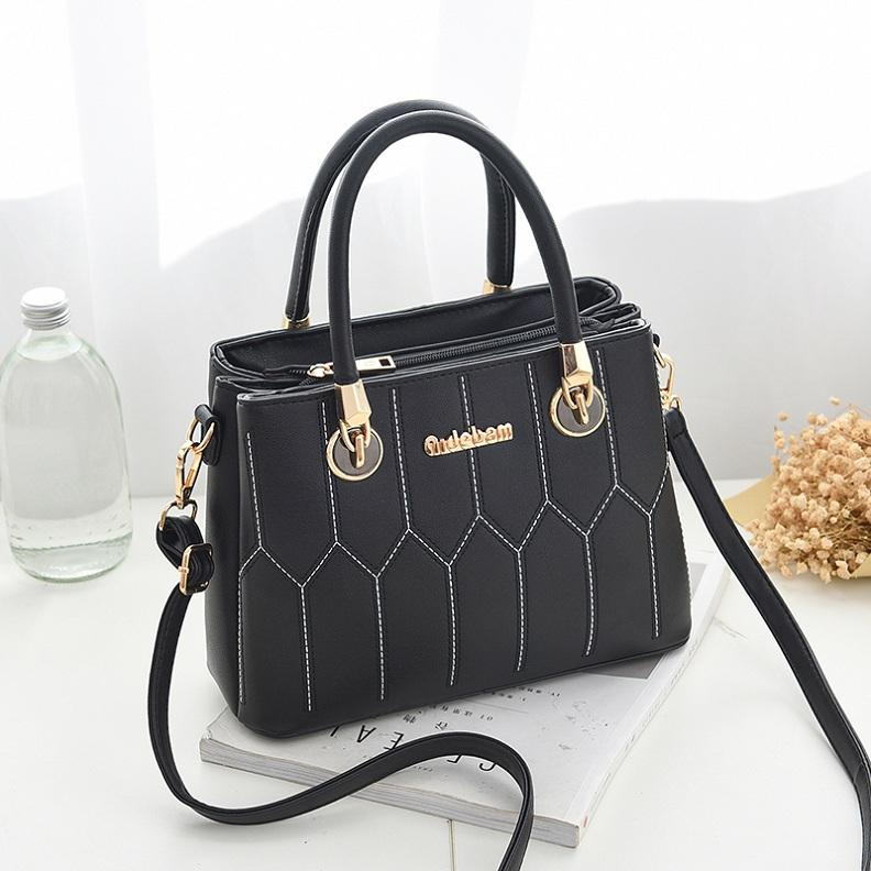 Famous Luxury Brand Design High Quality Marque 2018 Femme Large Messenger  Clutch Cross Body Bag.Lady Tote.Sac A Main GG.6690 Luxury Bags Handbags  Wholesale ... 7c48624889ee