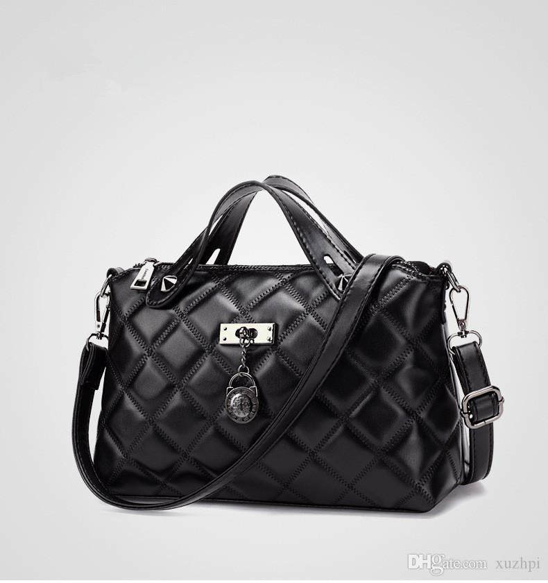 Discounted new fashion atmosphere of soft chain pack one shoulder hand bag tide female PiLing lattice han edition joker inclined shoulder ba