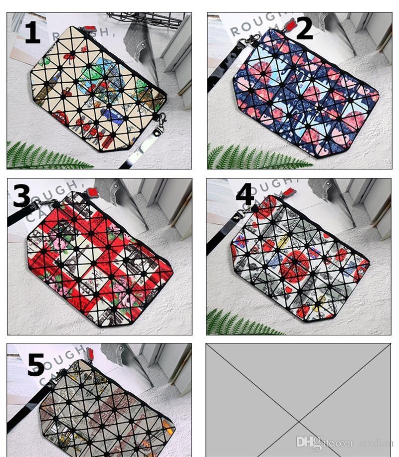 2018 Hot Diamond Pattern Women Cosmetic Bag PVC Makeup Bag Light Soft Foldable Organizer Ladies Travel Organizer