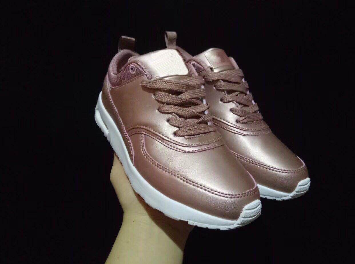 8c31765cb5 Compre Nike Air Max 90 Sneakers Shoes Atacado Moda Masculina Tênis Sapatos  Clássicos 90 Homens E Mulheres Sapatos De Corrida Sports Trainer Almofada  90 ...