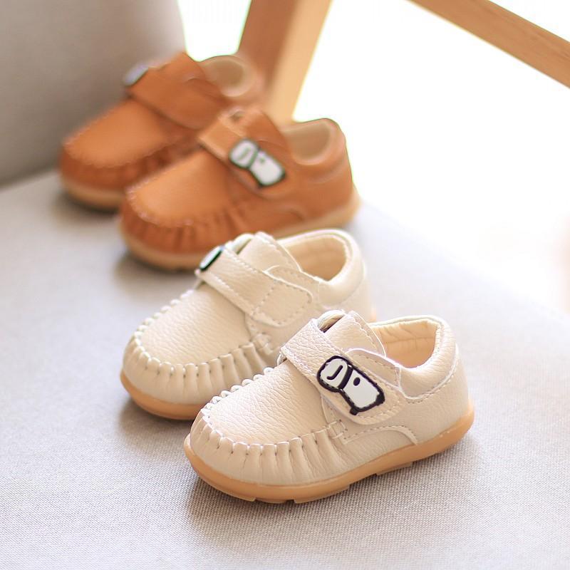 Compre Crianças Das Crianças Primavera E Outono Gorro Sapatos Menino 1 3  Anos De Idade Bebê Solas Macias Não Escorregadio Criança Sapatos Femininos  Lazer S ... 1d37c435016