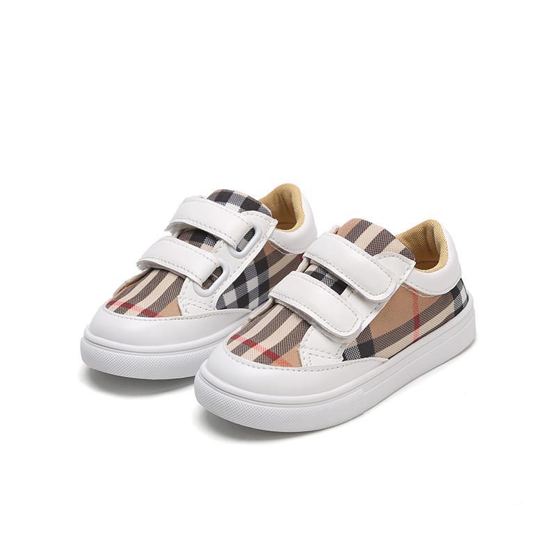 dde5b5831 Compre Sapatas Dos Miúdos 2018 Outono Nova Grade Marca Boys Sneakers  Patchwork Crianças Flats Gancho Da Criança Do Bebê Da Menina Sapatos 1 3 6  Anos De ...