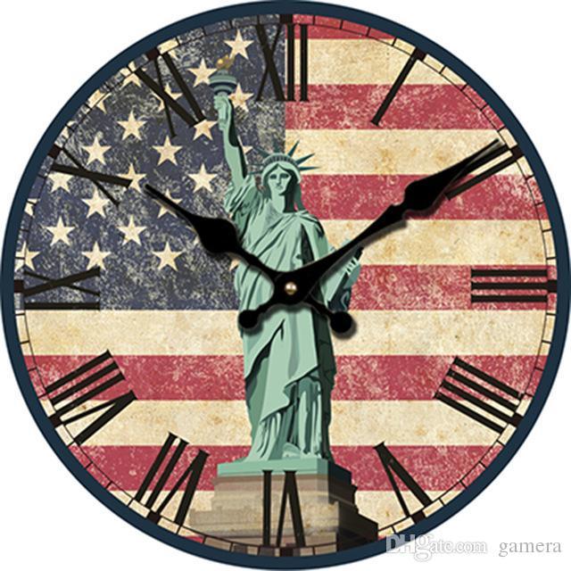 Großhandel Großhandels 30cm Amerikanische Flagge Große Dekorative Wanduhren  Holz Statue Of Liberty Wanduhr Modernes Design Stille Uhr Wand Saat Von  Gamera, ...