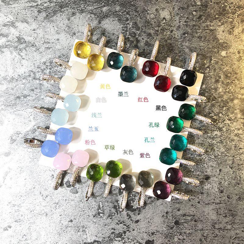 2018 material de latón superior paris pendiente de diseño con la naturaleza de jade y zircon decorar sello logo encanto pendiente de stud con diamantes placa de platino