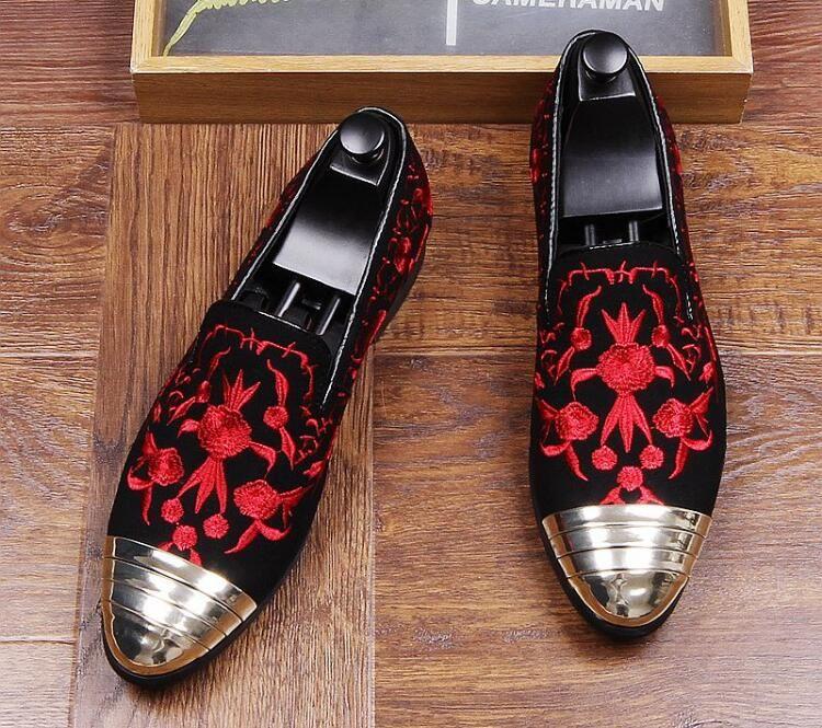 Neue Designer Männer mode Metall kopf stickerei wohnungen Schuhe Loafer Männlichen Party hochzeit schuhe mokassins Sapato Social Masculino