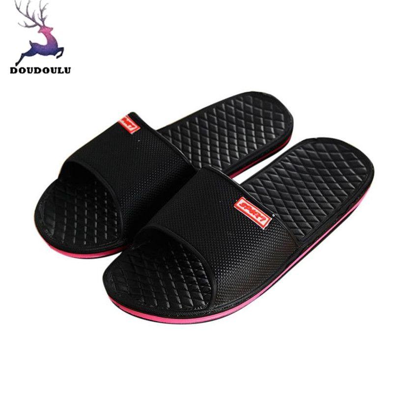 6e18cb7da Compre Zapatos De Los Hombres Zapatillas De Baño Planas Sólidas Sandalias De  Verano Zapatillas De Interior Al Aire Libre Hombres Ocasionales  Antideslizantes ...