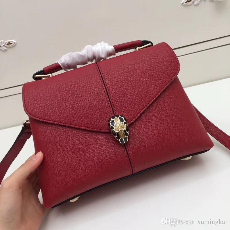 6ca71dfc540 Women s bag, the latest model, model :180200, hand palm print match color.  Match the mirror original hardware, embellished with the black