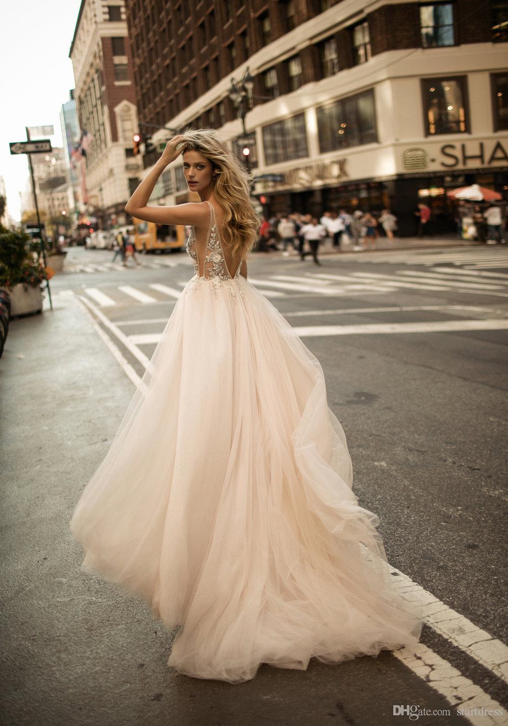 Amazing Designer Berta Bridal Top See Through 3d Floral Plugging Sexy Wedding Dresses Open Back Garden Cheap Country Gothic robe de mariée