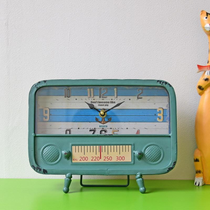 0634956cf0a Compre Estilo Europeu Antigo Rádio Modelo Relógios De Ferro Forjado Relógio  De Mesa Quarto Escritório Pêndulo Decoração De Casa De Happpyzone