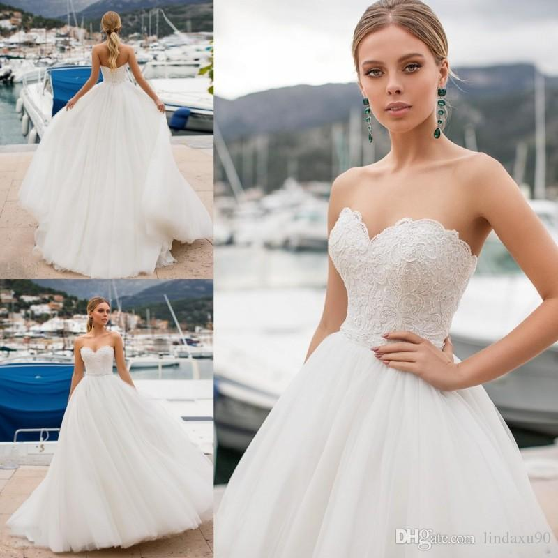 Naviblue 2019 Dolly Simple Wedding Dresses Sweetheart Lace Appliqued Bridal Gowns Sweep Train Country Beach Wedding Dress