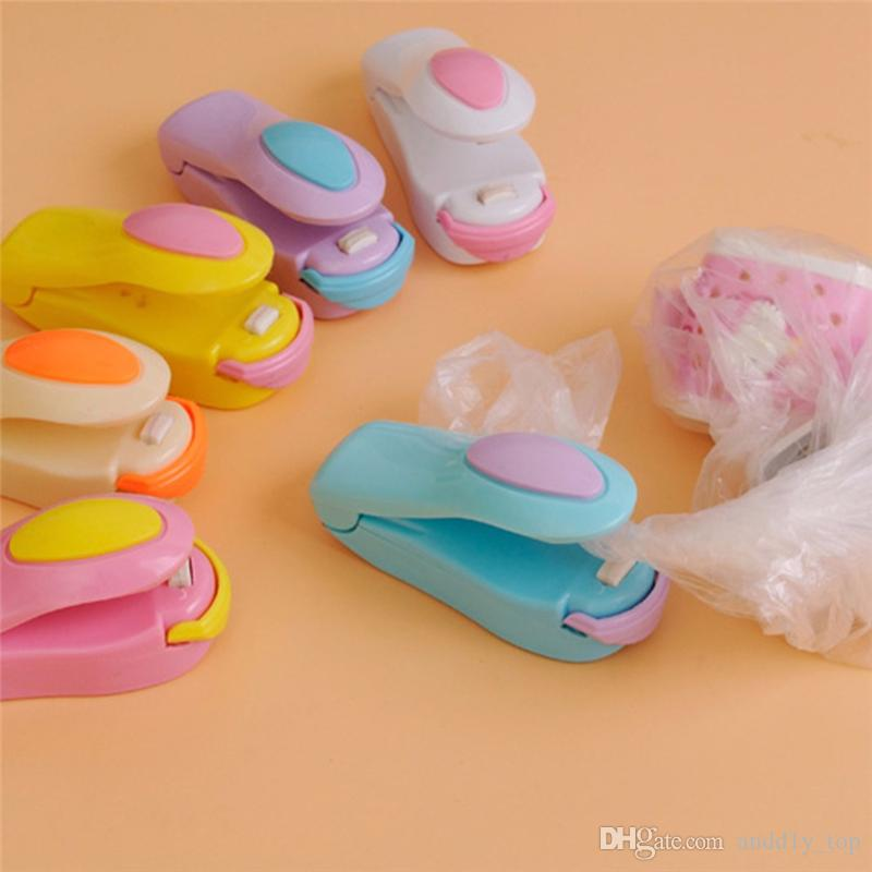 Vacuum Food Sealer Mini Portable Heat Sealing Machine Impulse bag Sealer Seal Machine Poly Tubing Plastic Bag Sealing Machine