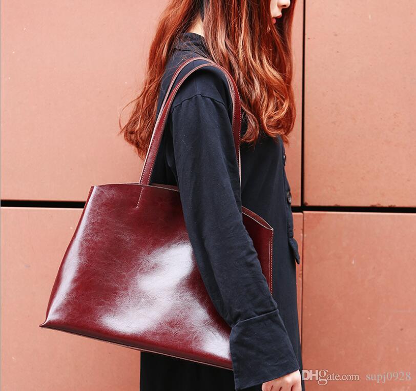2018 Summer New Leather Handbags Shoulder Bag Atmosphere Women s Mobile  Fashion Totten Ladies Bag Fashion Totten Ladies Bag Leather Handbags  Shoulder Bag ... 0fbb1cf5f4