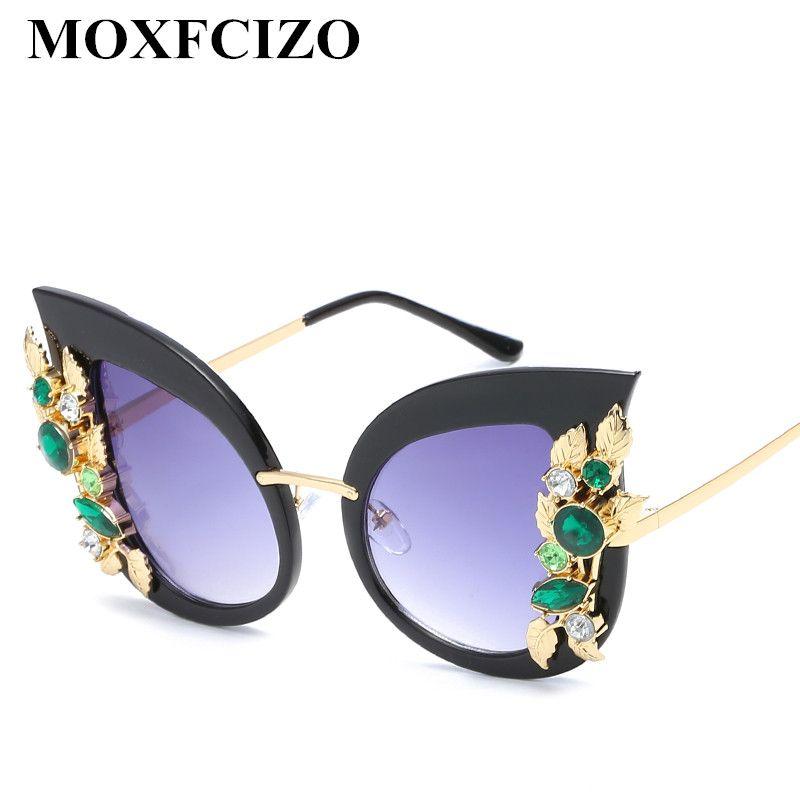 652c7f643 Compre Venda Por Atacado Eye Women Óculos De Sol Rhinestone Marca De Luxo  Designer Lady Feminino Pontos De Espelho Óculos De Sol Lunettes De Mulher  Femme ...