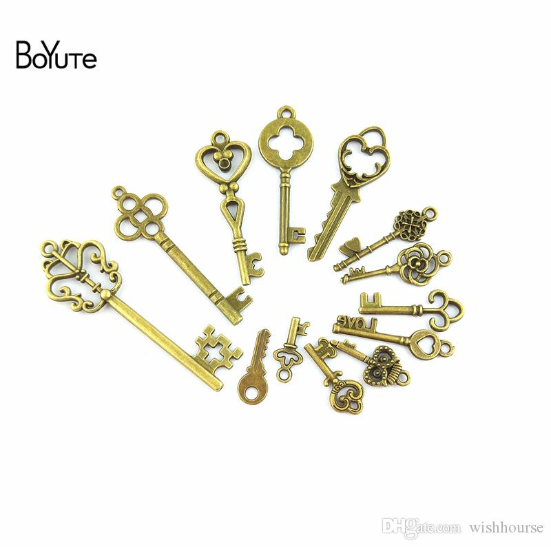 BoYuTe (13 Pieces/Lot) Charms Mixed Keys Pendant Antique Bronze key Charms Fit Bracelets Necklace Diy Charms for Jewelry Making Hand Made