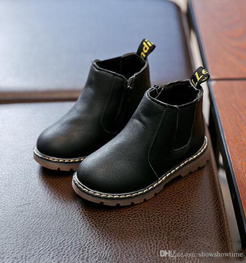 2019 Garçons PU Coton Doublé Bottes de Neige De Mode Cheville Longueur Enfant Rétro Plat Avec Martens Botte Étudiant Enfants Chaussures En Cuir