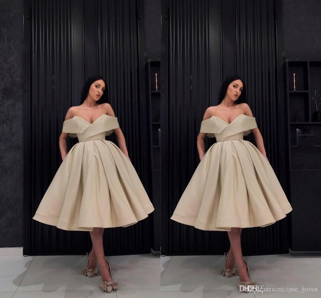 db34bd2ef Compre Sexy Champagne 2018 Barato Fuera Del Hombro Vestido De Bola Vestidos  De Cóctel Pliegues Formales Prom Vestidos De Noche Vestidos De Fiesta  Vestido ...