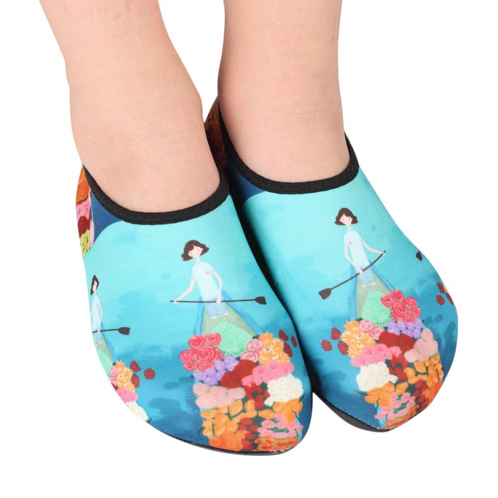 89172c86acef 2019 Children Kids Water Shoes Anti Slip Quick Dry Lightweight Beach  Seaside Swimming Shoes Scuba Diving Fin Socks Snorkeling From Mssweet