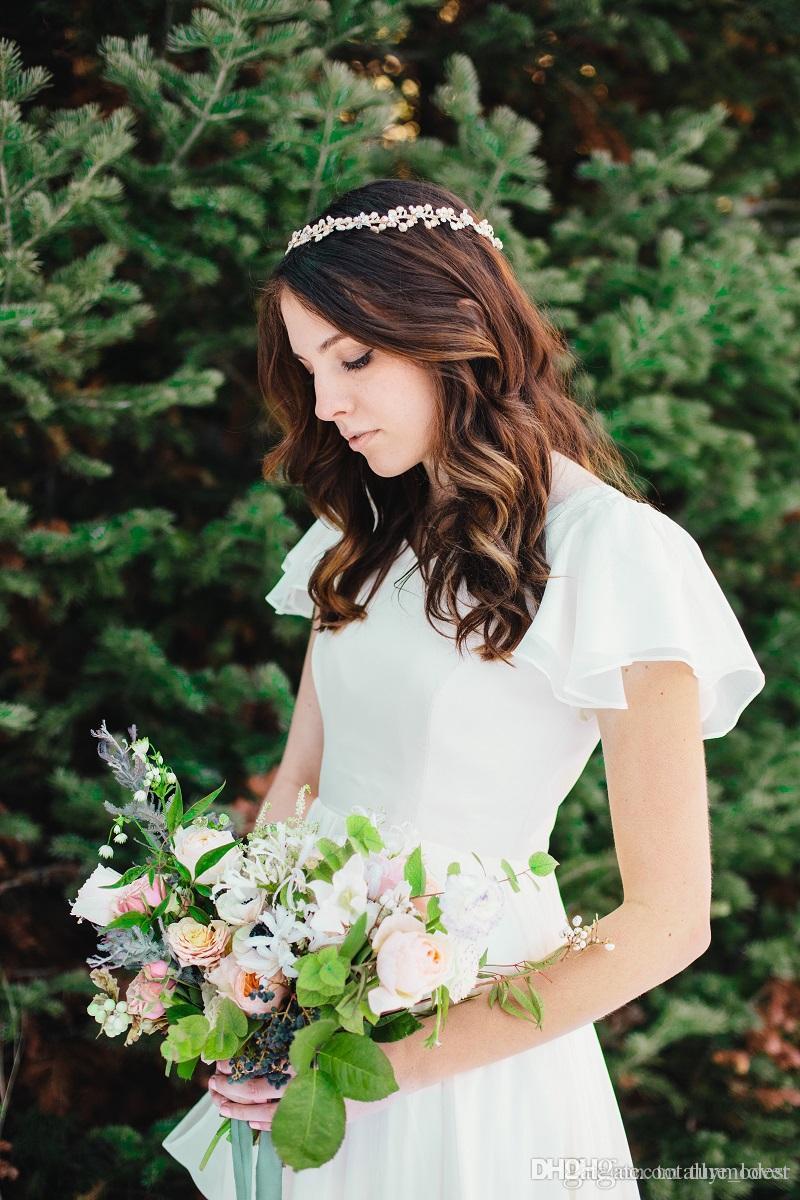 Flowy Chiffon Modest Brautkleider 2019 Strand Kurzen Ärmeln Perlen Gürtel Tempel Brautkleider Queen Anne Neck Informelles Empfang Kleid