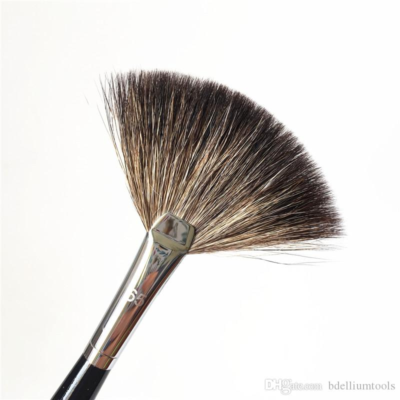 PRO Fan Brush #65 - Perfect Powder Bronzer illuminator Finish/Sweep Brushes - Beauty Makeup Blender Tool