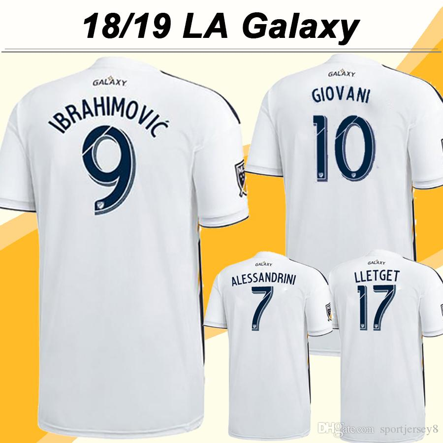 Compre 18 19 Los Angeles Galaxy Jérsei De Futebol IBRAHIMOVIC GIOVANI  ALESSANDRINI Camisas Brancas De Futebol Em Casa 2018 LA Galaxy LETGET  Jerseys Uniforme ... 9ec89baf95609