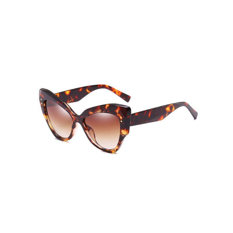 b3682b5a5e705 Compre Luxo Charme Óculos De Sol Das Mulheres Da Moda Óculos De Sol Do  Vintage Elegante Curva Design Eyewear Concerto Modelo Show Sombra JY66244 1  De ...
