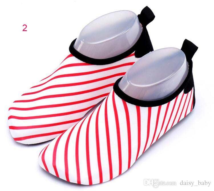 Unisex Quick Dry Shoe Meninos crianças sapatos Sneaker padrão geométrico Esporte Funcionamento para Piscina Praia Kid Shoes Boy Girl Sneakers