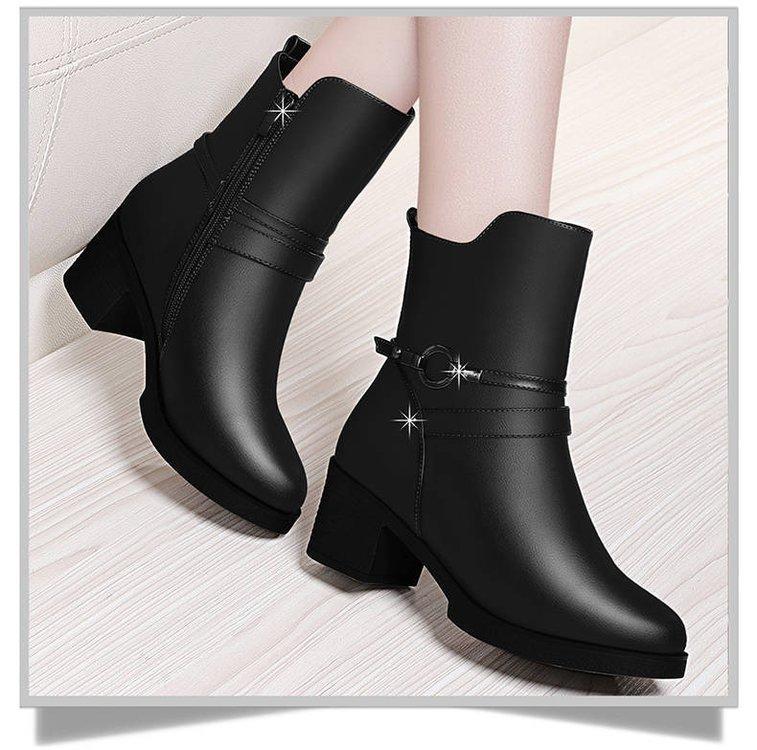 803bc054728 Compre Botas De Invierno Mujer Botines Mujer 2018 Cremallera De Tacón Bajo  Estilo Europeo Correa De Martin Botines Zapatos Mujer Calcetín Bajo  Delantero A ...