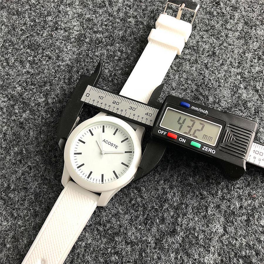 Crocodile Marken-Quarz-Armbanduhr für Damen Herren Unisex mit Tiere Wählscheibenstil Silikon-Bügel-LA06