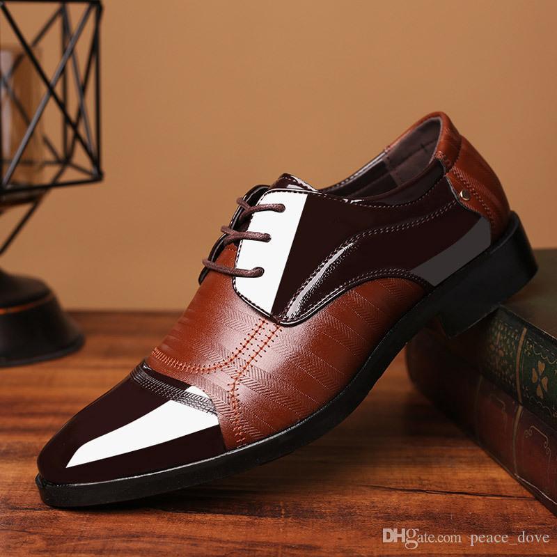 a2ecea81f Compre Zapatos De Boda Para Hombre 2019 Zapatos De Moda Para Hombre Vestido  De Fiesta Por La Noche De Boda Diseñador De Zapatos Leathe Rmens Zapatos De  ...