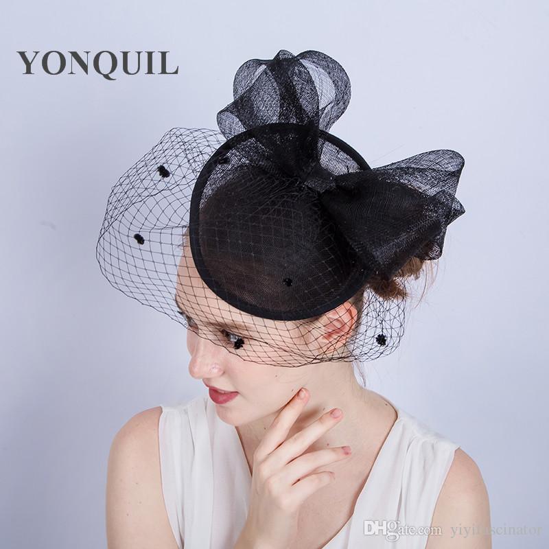3a126c77cdd27 Compre NUEVA LLEGADA es Elegante Boda Sombreros De Cóctel Para Las Mujeres  Agradable Grande Bowknot Diseño Banquetes Señoras Sombrero Sinamay Ocasión  Evento ...