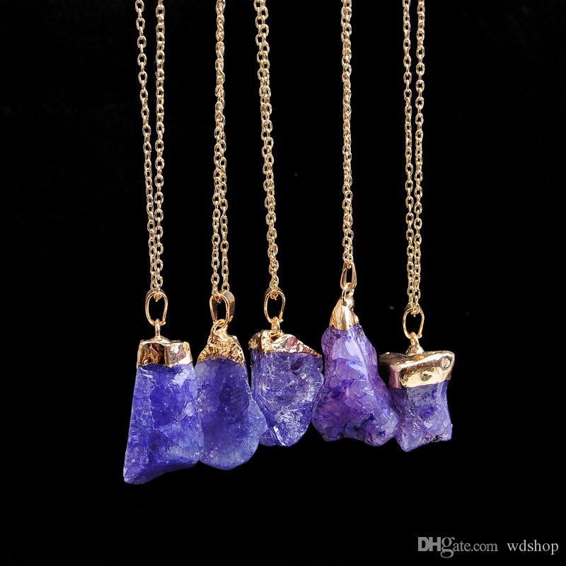 Heißer Verkauf Grobe Druzy Quarz Naturstein Halsketten Gold Farbe Unregelmäßige Form Rohstein Kristall Anhänger Quarz Halskette für Frauen