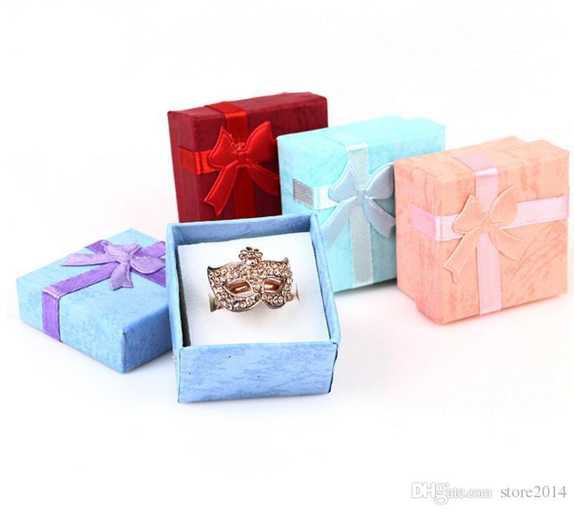 Bomboniere Scatole portaconfetti Scatole portagioie Scatole portaconfetti Scatole portaconfetti Scatole portaconfetti Scatoline regalo