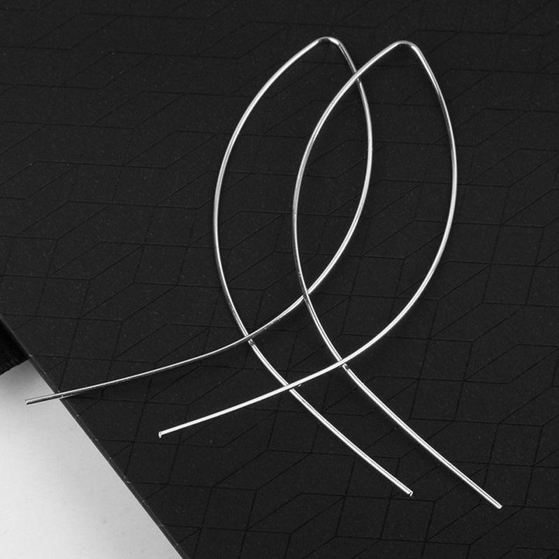 2018 Datum Geometrische Fische geformt Ohrstecker Einfachheit Handgemachte Kupferdraht Ohrring für Frauen Gold / Silber / schwarz-beschichtet