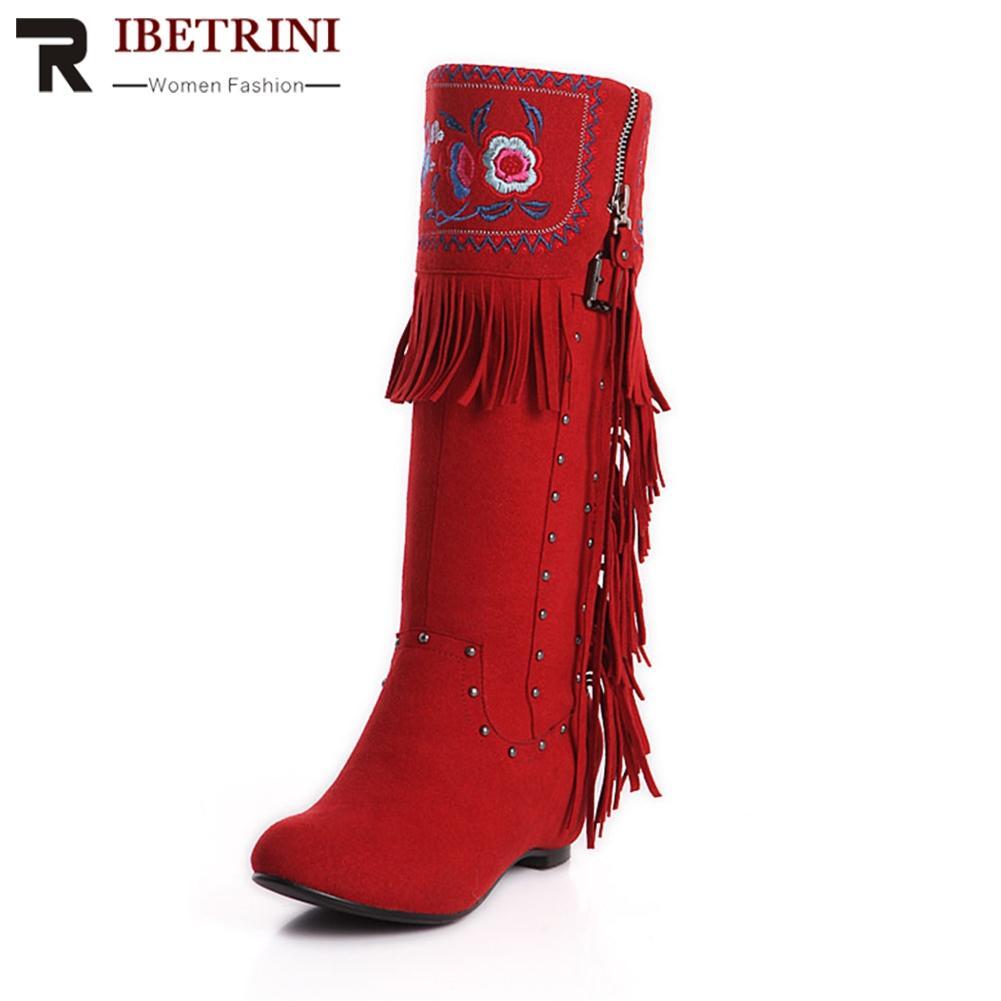 68c622e4b2739 Compre RIBETRINI Invierno Nuevo Flor Étnica Bordado Fringe Oculto Cuña Plataforma  Rodilla Botas Altas Boda Femenina Femenina Zapatos A  71.2 Del Arrownet ...