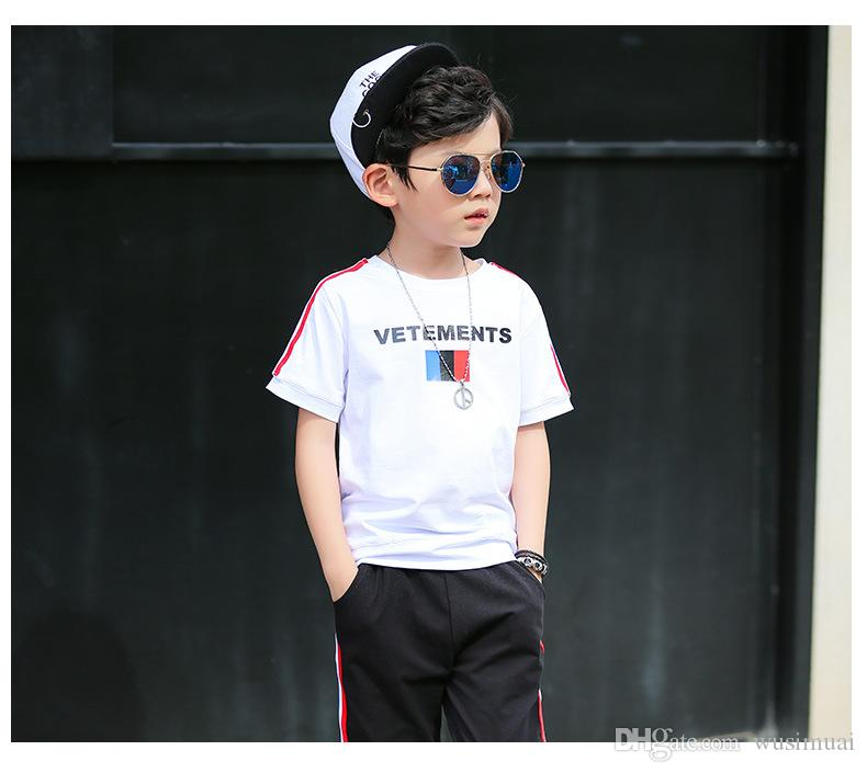 Famous Brand Designer Boy Tracksuit Two Piece Set Summer Short Sleeve T-shirt Pants Kids Clothing Set Box Logo Letter
