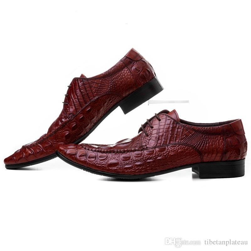 9ca33227a3 Compre Moda Crocodile Grain Preto   Marrom Tan Apontou Toe Mens Sapatos De  Negócios De Couro Genuíno Sapatos De Casamento Dos Homens Vestido De Sapato  De ...
