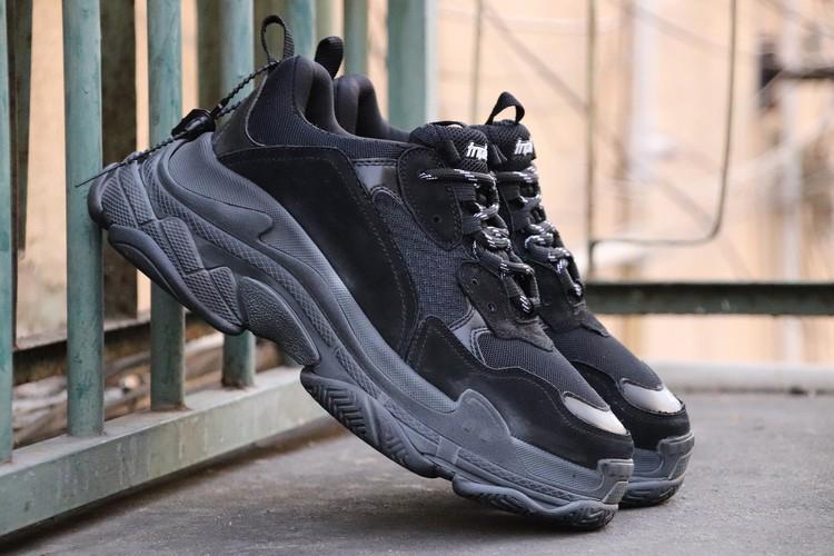 Großhandel Hottest Ci7balenciaga Triple S Speed Trainer Triple Schwarz  Schuhe Sneakers Authentische Qualität Laufschuhe Sneakers Limited Release  Von ... b8bffd6437