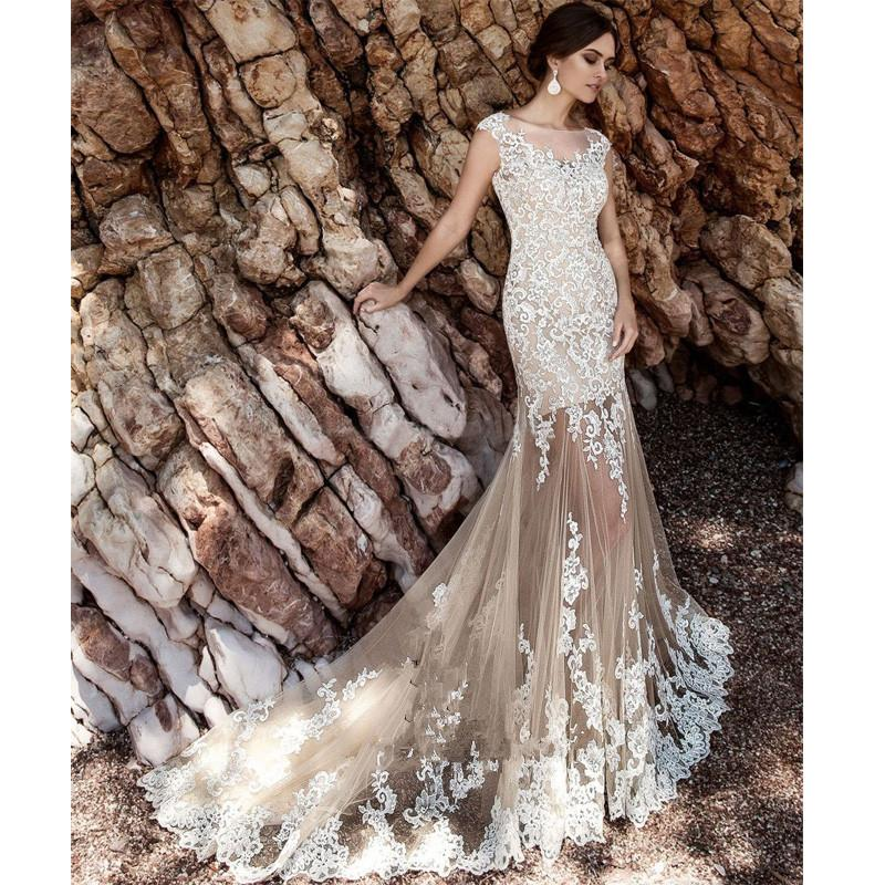 New Design lace Wedding Dress 2018 kurti Sheath Detachable Train appliques Vestido De Novia thermal imager berta bridal Gown