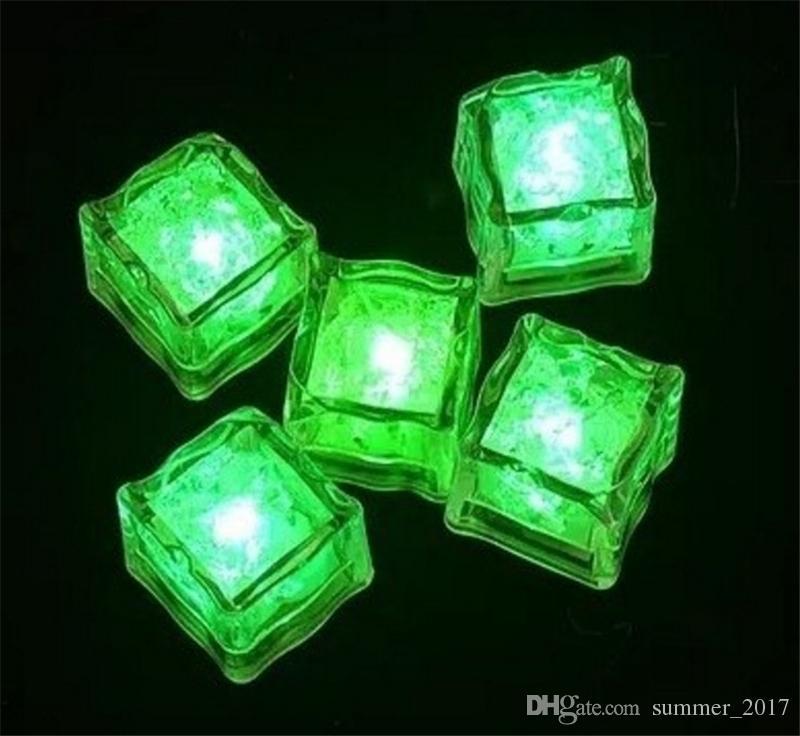 LED Cubo de hielo multicolor que cambia de color las luces de flash Cubos de cristal para la fiesta Bodas del evento Bares Chirstmas Decoraciones de Halloween