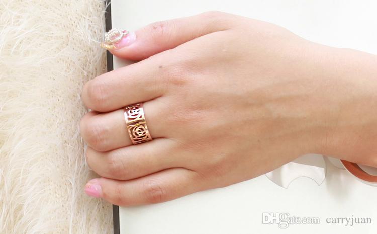브랜드 Desgin 럭셔리 쥬얼리 New Arrival Top Selling 스테인레스 스틸 로즈 골드 파티 할로우 카멜리아 여성 웨딩 밴드 반지 연인 선물