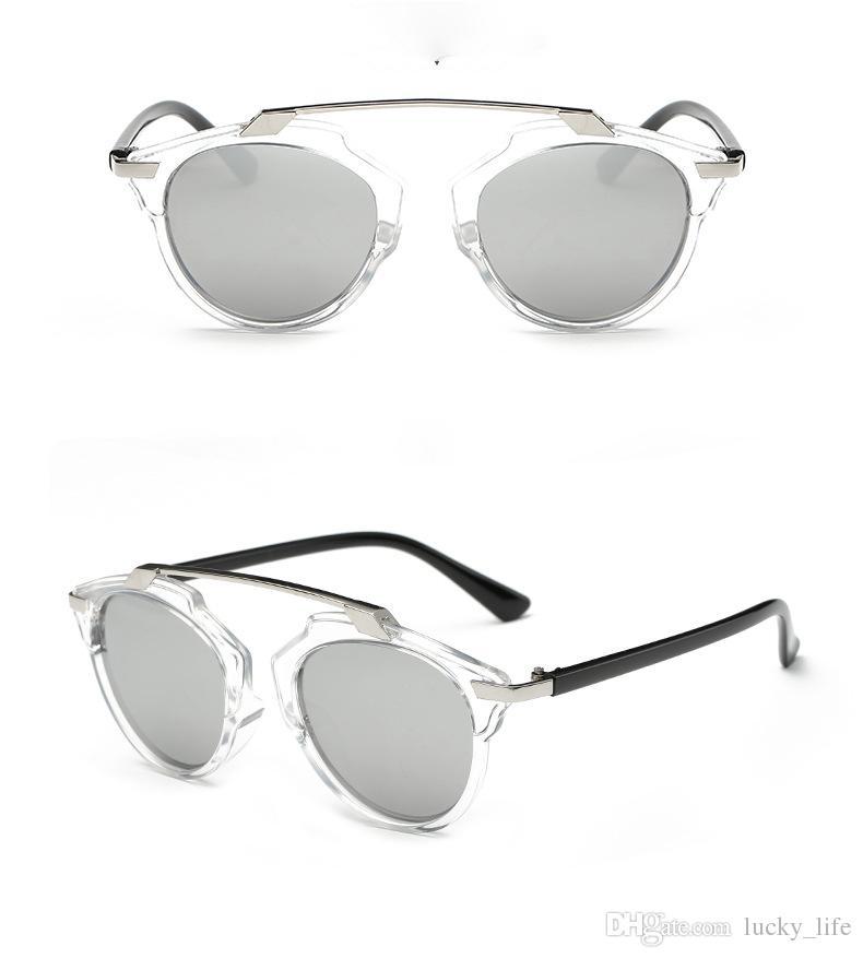 2070c5d54f0fc Compre 2018 New Sunglasses Mulheres Designer Retro Verão Praia De Viagem  Óculos De Sol Das Mulheres Dos Homens Modernos Unisex Moda Óculos De Sol De  ...