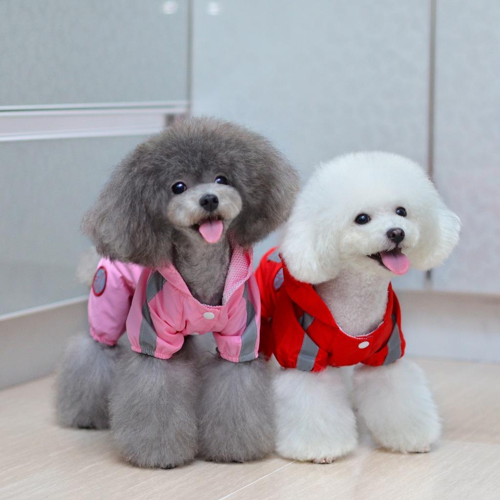 Impermeable perro de mascota de alta calidad a prueba de agua tafetán 4 piernas Rainweart para el perro cachorro suministros de ropa para el envío libre de la gota del peluche
